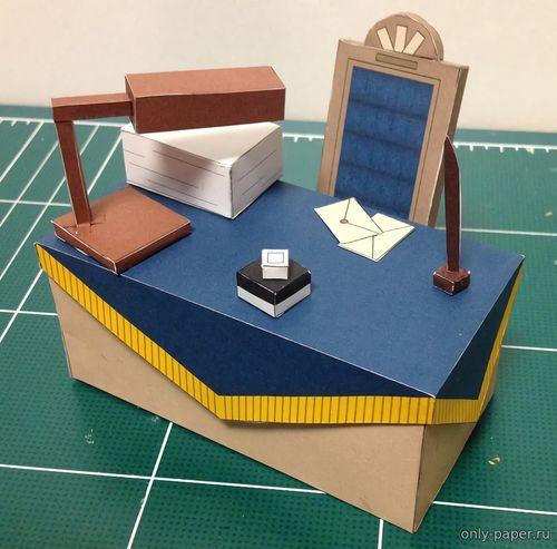 Модель стола из бумаги/картона