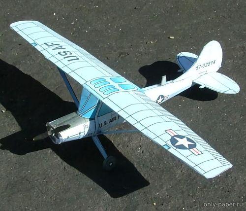 Модель самолета Cessna O1D Bird Dog из бумаги/картона