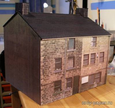 Модель дома из бумаги/картона