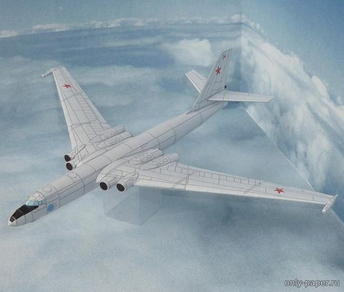 Модель самолета Мясищев М-4/3М из бумаги/картона