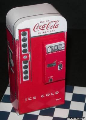 Модель автомата по продаже кока-колы из бумаги/картона