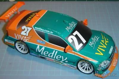 Модель автомобиля Chevrolet Astra из бумаги/картона