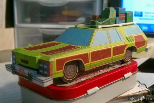 Модель автомобиля Wagon Queen Family Truckster из бумаги/картона