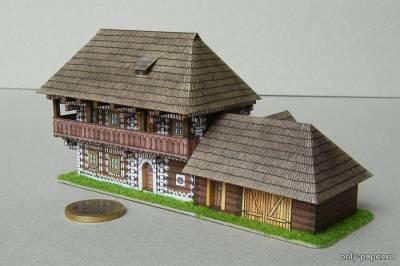 Модель деревянного дома в Словакии из бумаги/картона