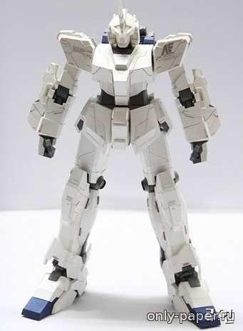 Модель робота из картона