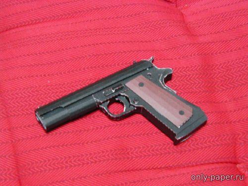 Модель пистолета Colt M1911A1 из бумаги/картона