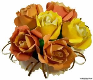 Модель вазы с букетом роз из бумаги/картона